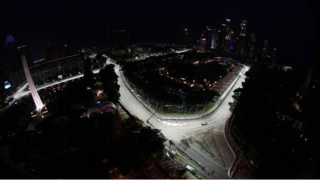 Vettel quickest again in final Singapore practice