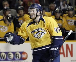 Predators edge slumping Blackhawks 3-2
