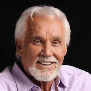 Rogers Inducted Into Country Music Hall of Fame