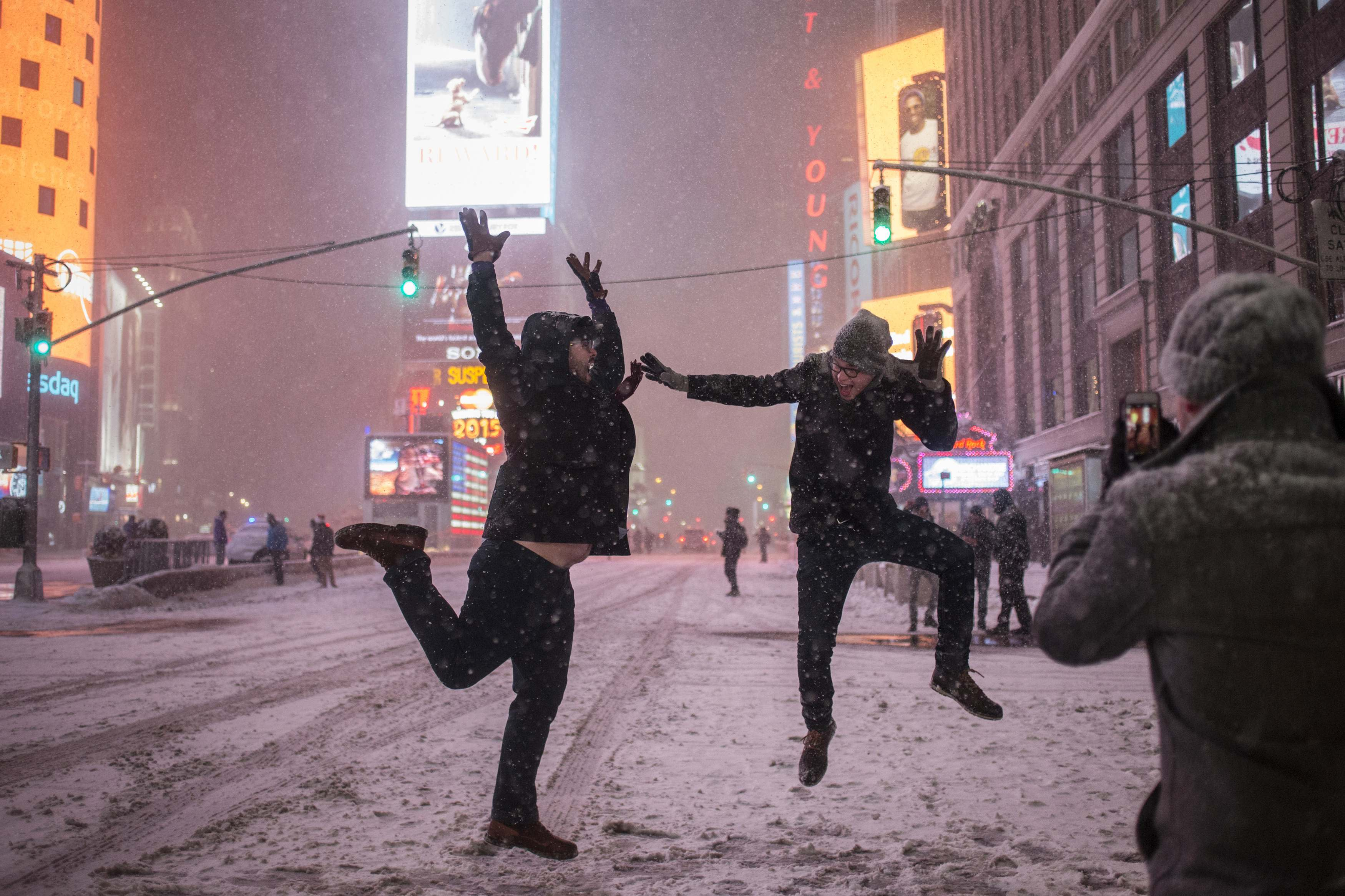 Snowstorm sweeps northeast, New York spared its brunt