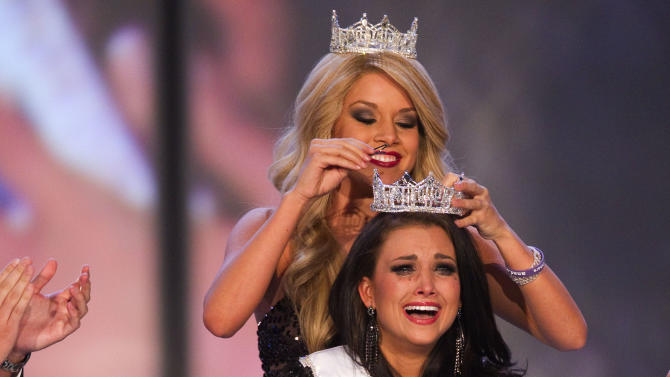 FILE - In this Jan. 14, 2012 file photo, Miss Wisconsin Laura Kaeppeler reacts after being crowned Miss America at The Planet Hollywood Resort & Casino in Las Vegas.   (AP Photo/Eric Jamison)