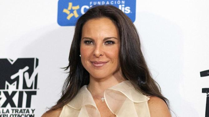 "FILE - In this July 31, 2012, file photo, Mexico's actress Kate del Castillo poses for photos during a photo call to promote the documentary ""Esclavos Invisibles"" (""Invisible Slaves"") in Mexico City. Del Castillo will star in the Spanish ""Vagina Monologues"" opening Tuesday, May 6, 2014, at the Westside Theatre in New York. (AP Photo/Alexandre Meneghini, File)"