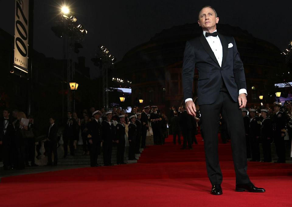 "Actor Daniel Craig poses at the world premiere of ""Skyfall"" on Tuesday, Oct. 23, 2012 in London.  (Photo by Stewart Wilson/Invision/AP)"