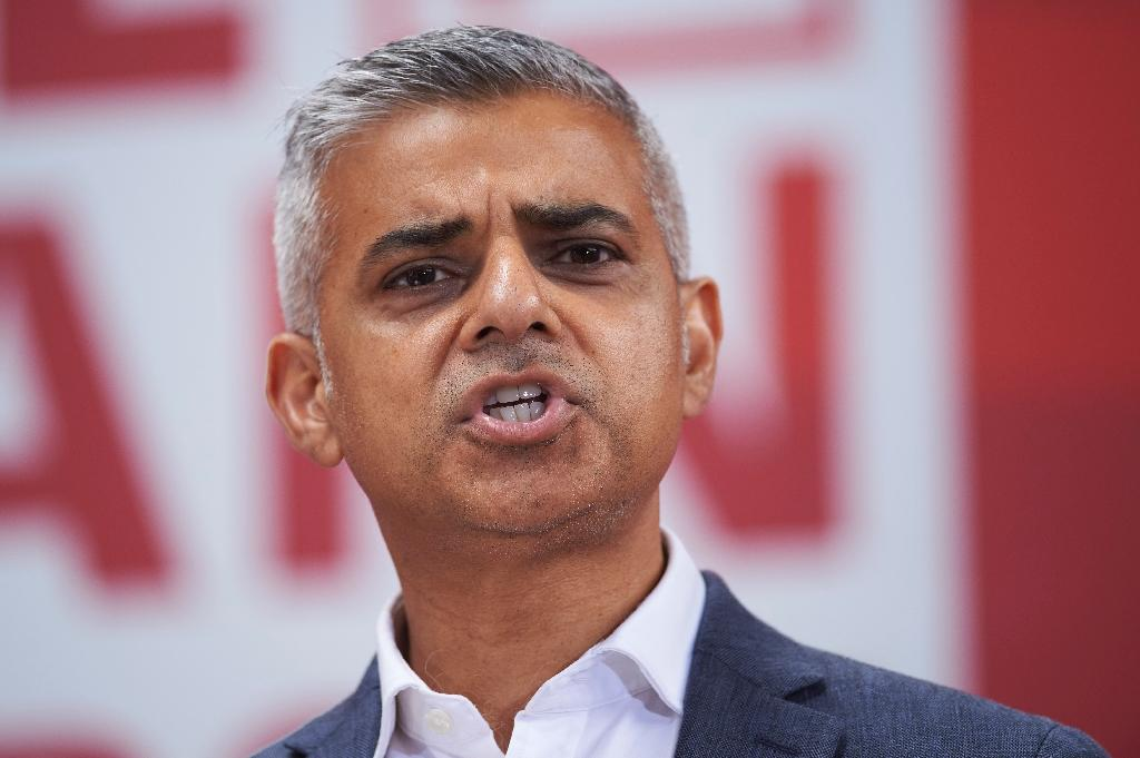 London mayor warns Asia, New York will win out from Brexit