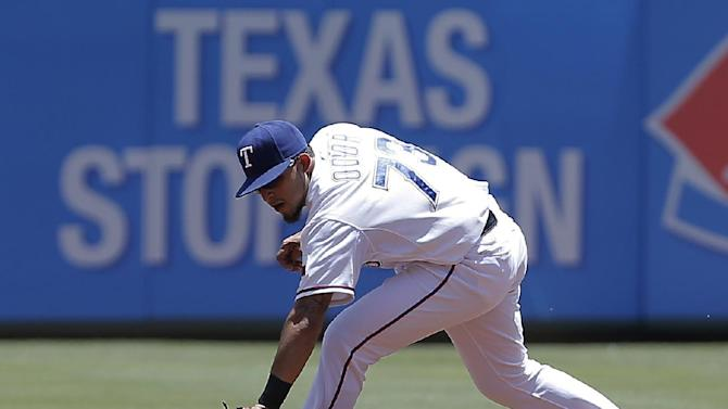 Chisenhall helps Indians hold off Rangers 3-2
