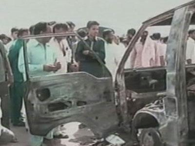 Bus Fire Kills 16 Children, Teacher in Pakistan