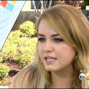 Young Author Becomes Hollywood's New Fan Fiction Darling After Online Story Gets 1B Views