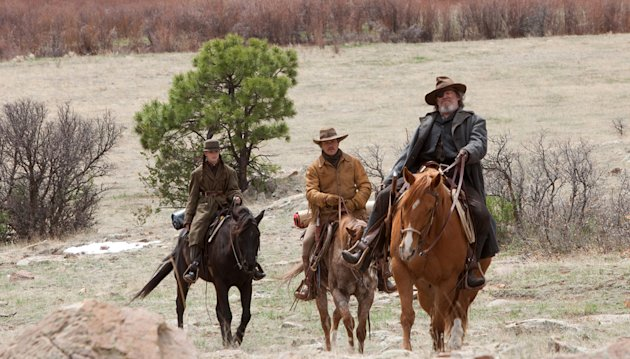 Hailee Steinfeld Matt Damon Jeff Bridges True Grit Production Stills Paramount 2010