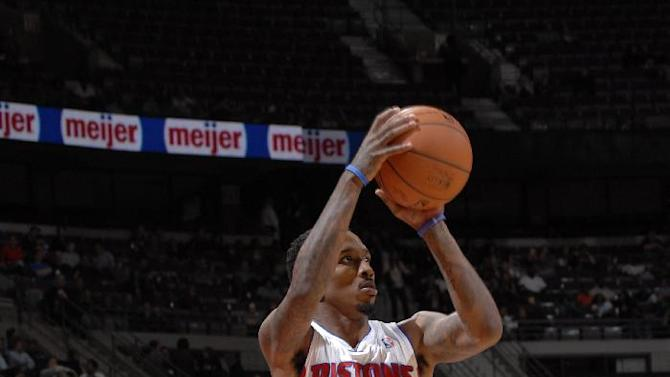 Monroe, Pistons rally past Bucks 116-111