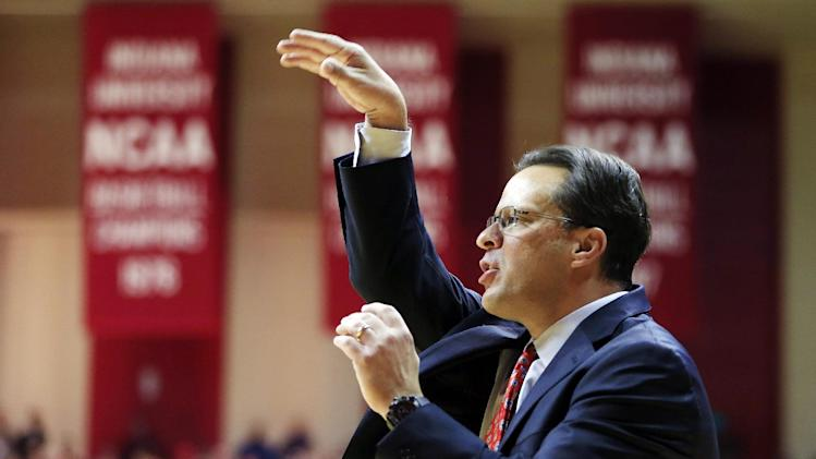 Indiana head coach Tom Crean encourages his team during the first half of an NCAA college basketball game against North Carolina, Tuesday, Nov. 27, 2012, in Bloomington, Ind. (AP Photo/Darron Cummings)