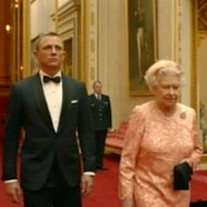 Ratu Elizabeth II Bintangi James Bond