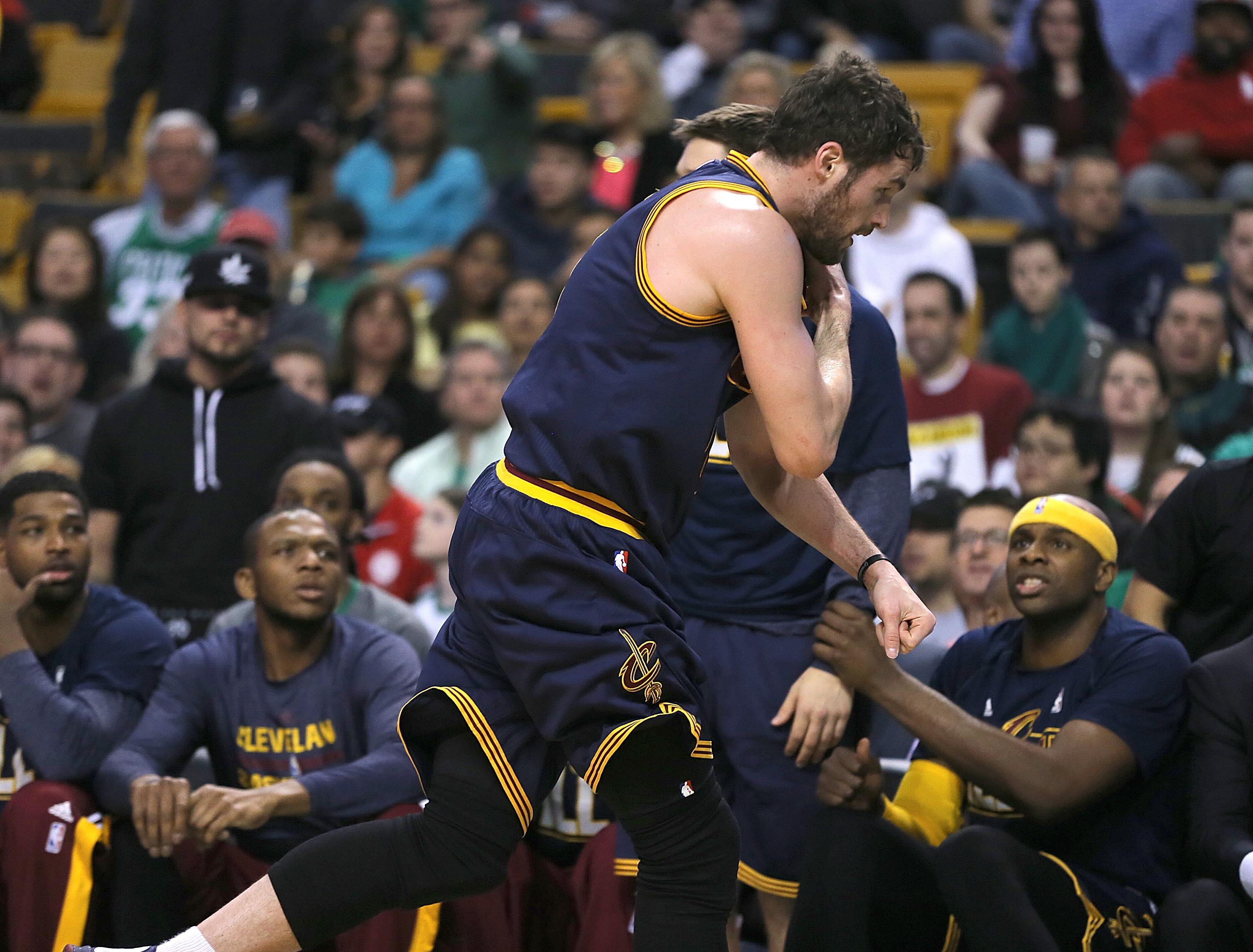 Cavs' Love likely done for season with shoulder injury