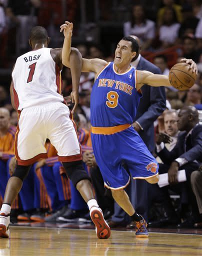 Anthony scores 50 as Knicks beat Heat 102-90