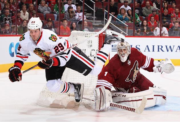 Chicago Blackhawks v Phoenix Coyotes