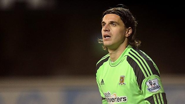 Eldin Jakupovic is eyeing regular first-team football at Orient