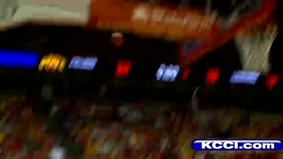 Cyclones get mad, score huge win over Horns