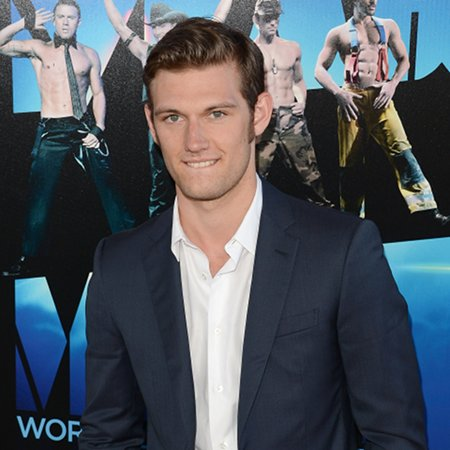 Alex Pettyfer: I dance like a duck