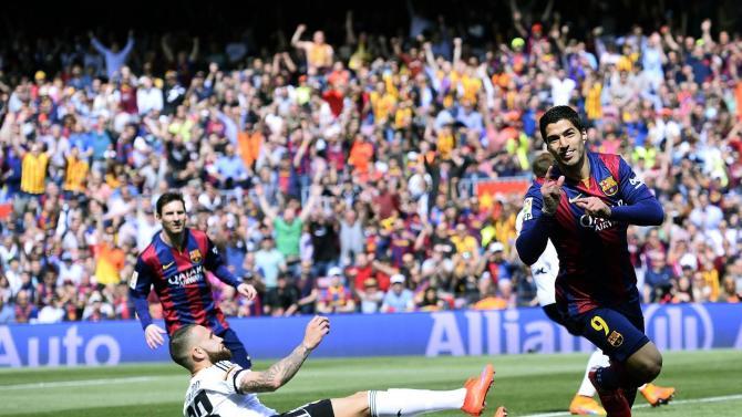 Messi scores 400th goal for Barcelona in 2-0 win vs Valencia