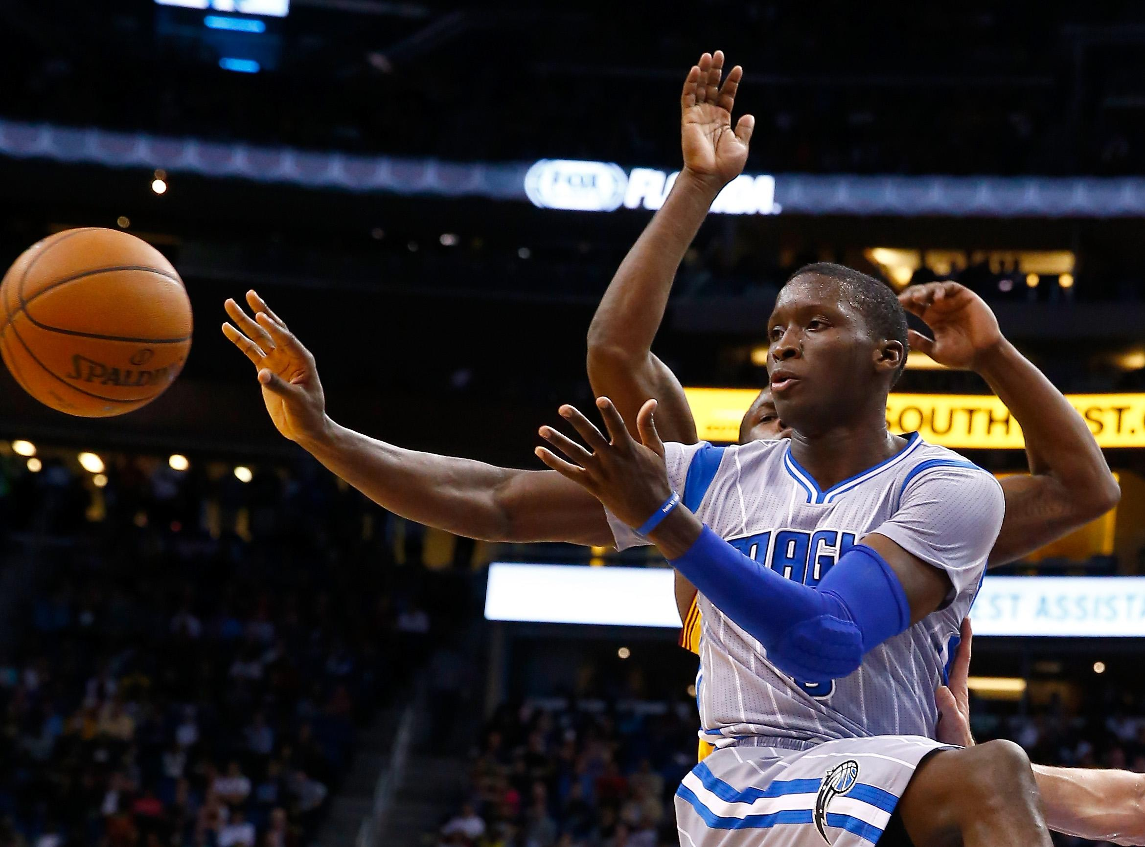 Plumlee, Oladipo among young stars in Dunk Contest