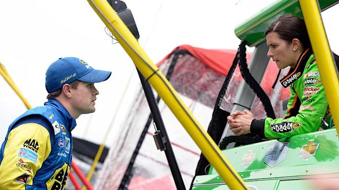 Ricky Stenhouse, Danica Patrick comfortable as couple