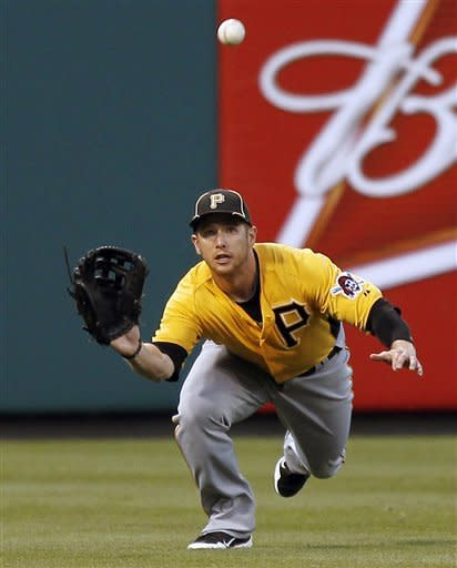 Rollins drives in 2, leads Phillies over Pirates