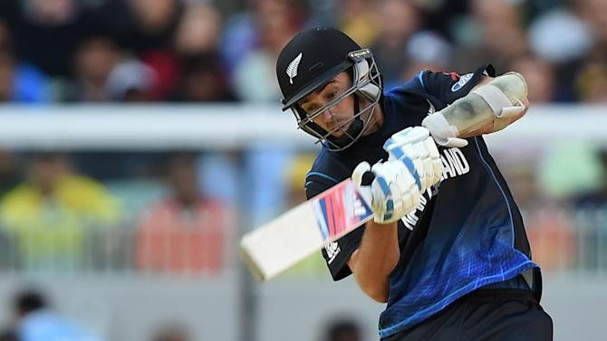 New Zealand's Tim Southee bats during the ICC Cricket World Cup final against Australia in Melbourne, Australia, Sunday, March 29, 2015. (AP Photo/Andy Brownbill)