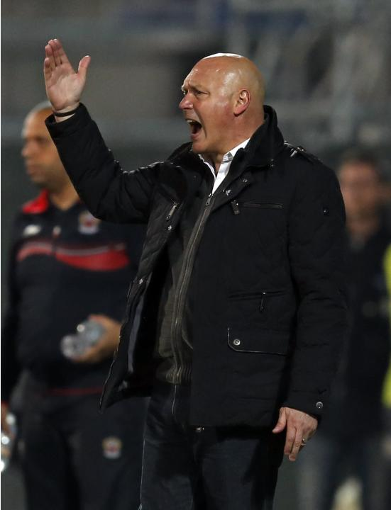 Olympique Marseille's coach Anigo reacts with players during their French Ligue 1 soccer match against Nice in Marseille