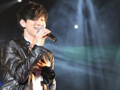 "JJ Lin dedicates ""Someday"" to late grandmother"