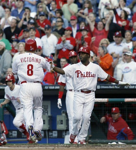 Hamels pitches Phillies past Red Sox 6-4