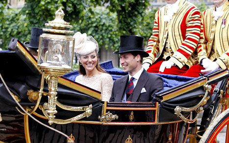 Kate Middleton, Prince William Take First London Carriage Ride Since Royal Wedding!