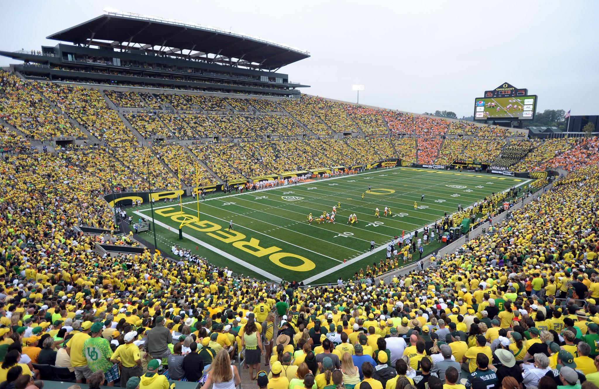 Multiple Oregon players hospitalized following strenuous workouts