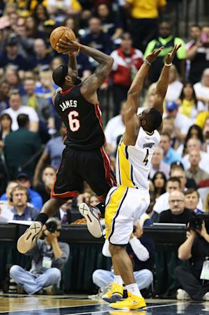 Heat offense puts away Pacers 114-96 in Game 3