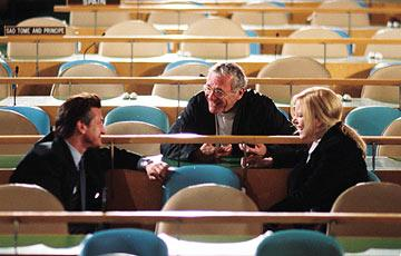 Sean Penn , director Sydney Pollack and Nicole Kidman on location for Universal Pictures' The Interpreter