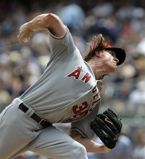 Angels hold on for 10-8 win over Yankees