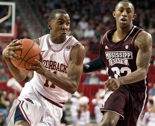Powell's 17 leads Arkansas past Miss. St. 96-70