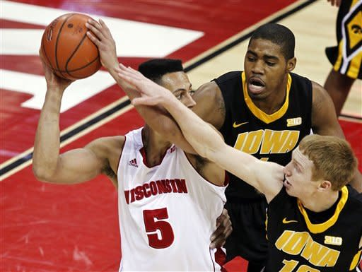 Wisconsin tops Iowa in double overtime 74-70
