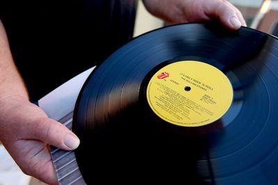 Vinyl isn't the future of music. This chart proves it.