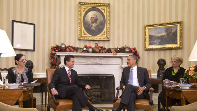 Obama hails Mexican president-elect in WH meeting