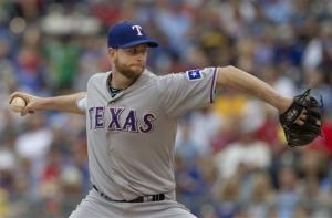 Feldman wins 6th straight, Rangers beat Royals 4-2