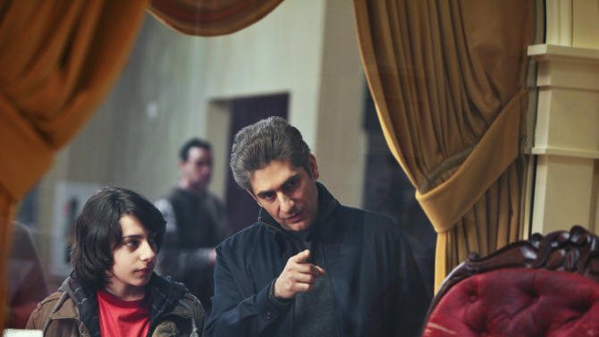 "In this photo supplied by ABC Television, Vadim Imperioli, left, listens to Michael Imperioli on the Season Finale of ""Detroit 1-8-7,"" airing Sunday, March 20, 2011 on ABC. With three episodes left to air and its future uncertain, the principals behind the ABC crime drama ""Detroit 1-8-7"" are fighting for a second season - even if that means trying to follow other network cast-offs to eventual success on basic cable. (AP Photo/ABC, Alicia Gbur)"