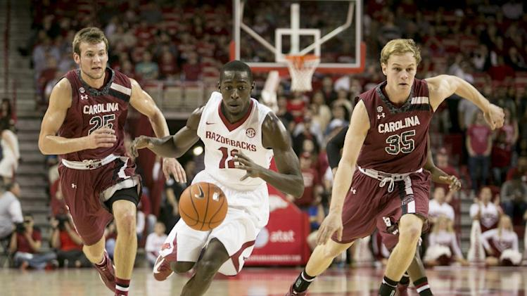 Qualls paces Arkansas past South Carolina 71-64