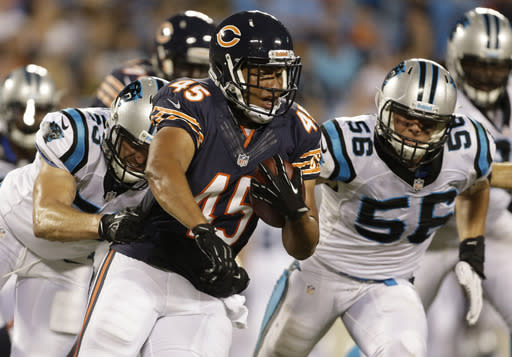 Bears defense looks strong without Urlacher, Smith