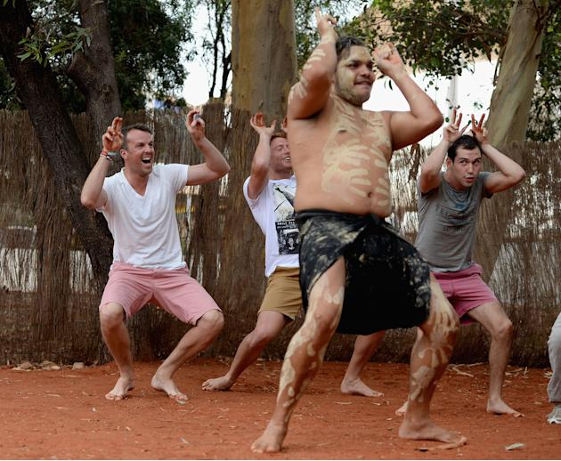 England Cricket Team Visit Uluru