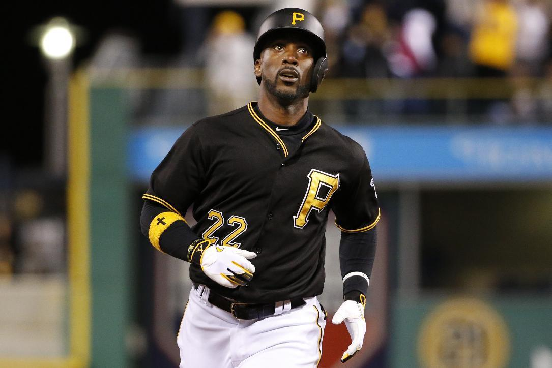 Pirates star McCutchen laughs off leaked pay stub