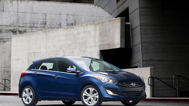 Hyundai adds new Elantra hatchback