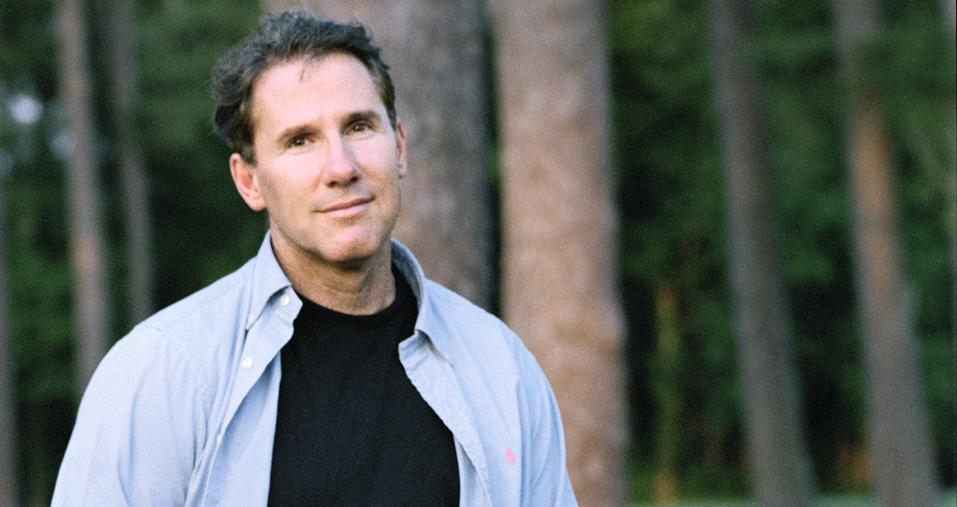 Nicholas Sparks To Produce Semi-Autobiographical Comedy For ABC