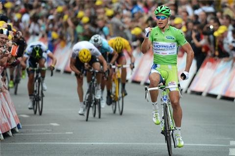 Sagan strikes again at Tour
