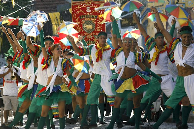 Members of the Bloco de Frevo group perform during a carnival parade in Olinda, in Brazil&#39;s northern Pernambuco state, Jan. 25, 2008. Frevo, the most popular rhythm of Pernambuco&#39;s carnival, turns 100 yeas and the Mangueira group, one of Brazil&#39;s best loved samba groups, will present a mix of samba and frevo during the Rio de Janeiro&#39;s carnival. (AP Photo/Eraldo Peres)
