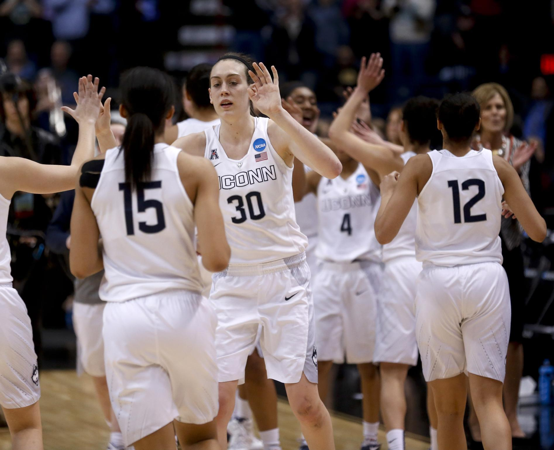 UConn reaches 8th straight Final Four with win over Dayton