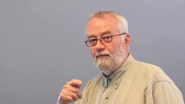 Inventor of the first laptop computer passes away at age 69